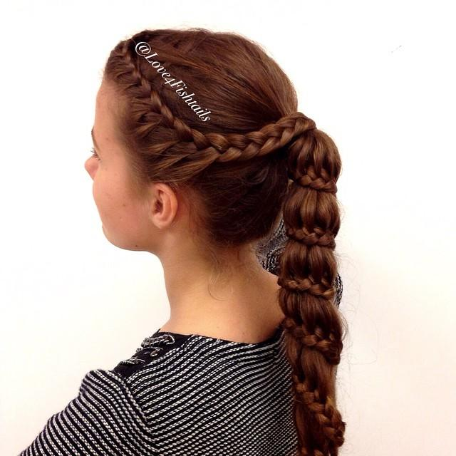 Lace braid into a carousel