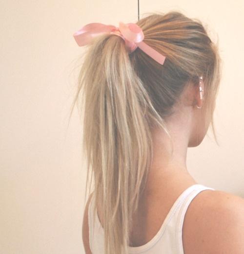 bow ponytail