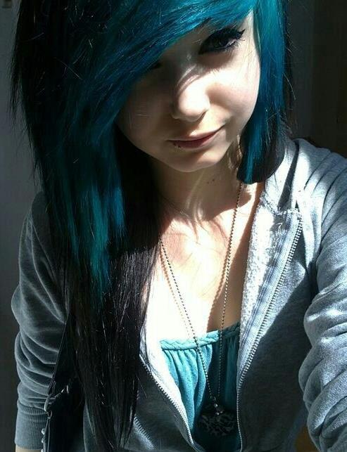 dark blue streaks