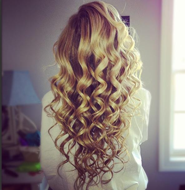 dark blonde messy curls