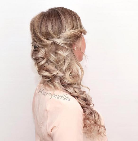 dutch side braid with curls