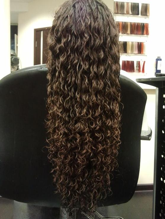 beautiful naturally curly hair